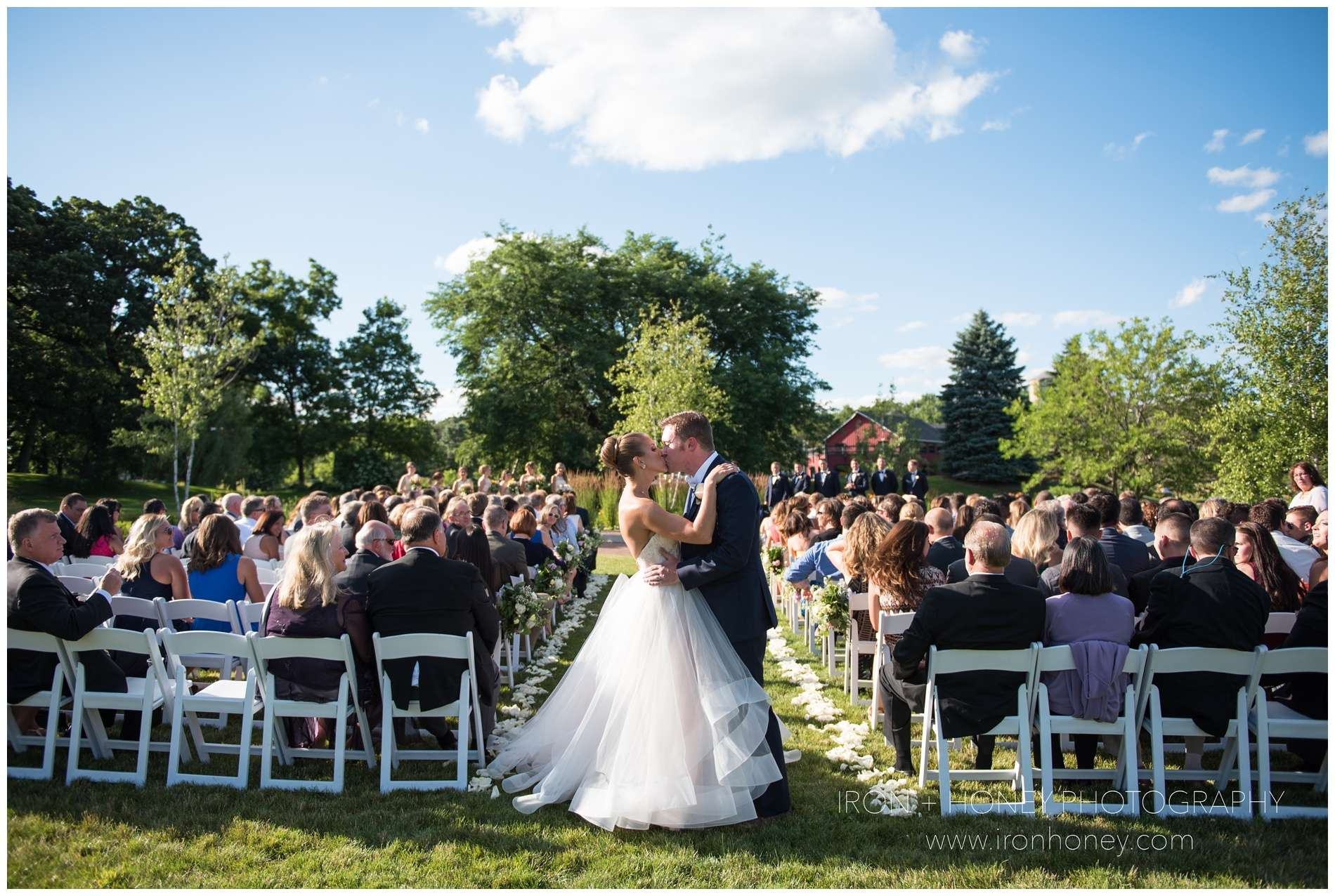 fishermen's inn, elburn, illinois, chicago, wedding photographer, pink wedding dress, barn wedding,