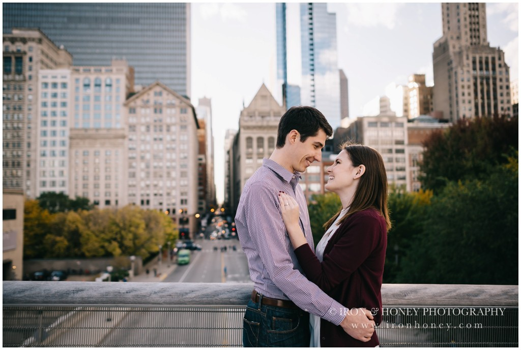chicago engagement photographer, engagement photographer, millennium park, art institute chicago, chicago