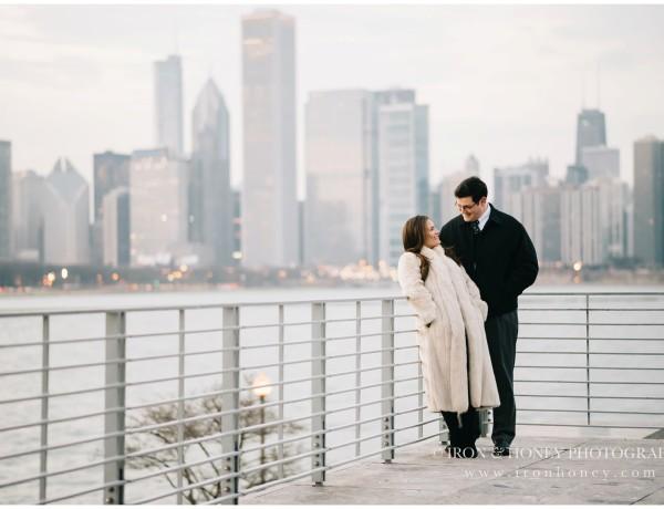 chicago, anniversary session, lifestyle photographer, iron and honey, skyline, sunset, chicago river, chicago bridge, chicago engagement photographer, chicago wedding photographer, lake michigan
