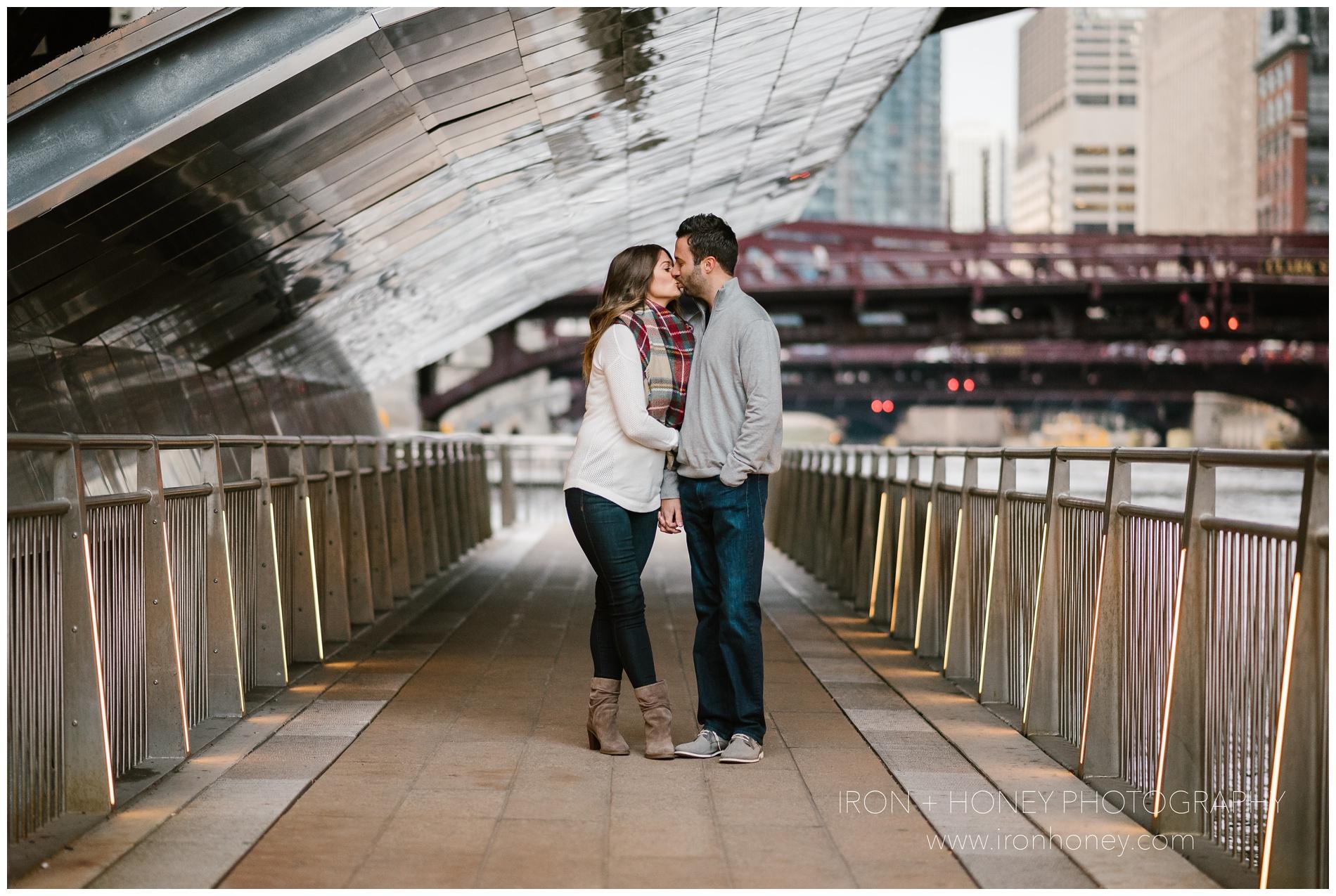 chicago riverwalk engagement session, iron and honey, melissa ferrara, chicago engagement photographer, chicago wedding photographer, chicago riverwalk